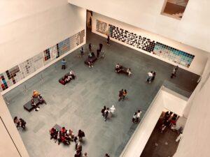 Bảo tàng nghệ thuật hiện đại -  Image source: unsplash