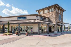 Cửa hàng cao cấp Allen - Image source: premiumoutles