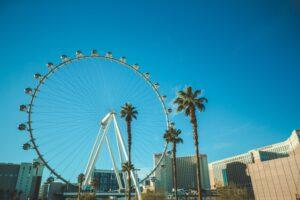 Khám phá Las Vegas - Vòng quay - High Roller. Image source: unsplash